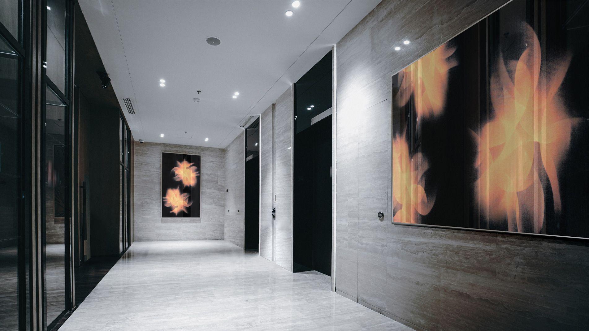 Guillaume Bottazzi, environmental art in London, enamels on glasses, realized in situ in London
