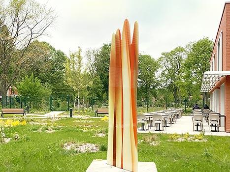 Sculpture de Guillaume Bottazzi réalisée avec des émaux sur verre. D'une hauteur de 3 mètres de haut, cette oeuvre in situ est inscrite aux Journées Européennes du Patrimoine